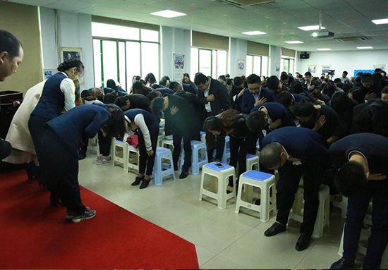 衡阳家装公司-家博晨会丨激发工作热情,提高工作积极性